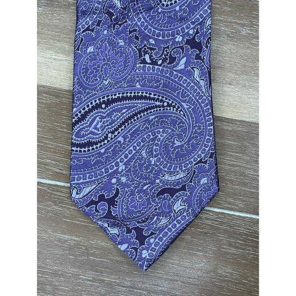 MICHAEL KORS 100% Silk Tie Purple  Paisley